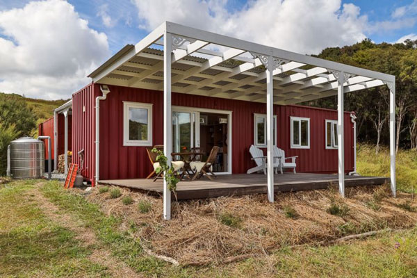 This-Off-Grid-Shipping-Container-Tiny-Home4